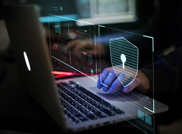 Dados pessoais vazados na internet: o que fazer?